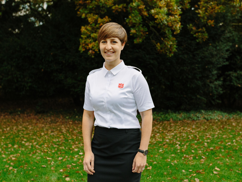 Blouse d'uniforme à manches courtes